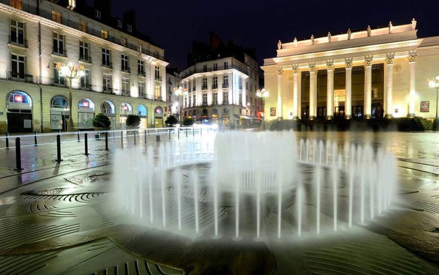 Place de l'Opéra à Nantes - Visites autour de la Résidence Charles Roger